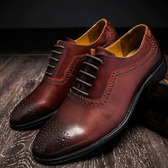 Medallion Brogue Oxford - Burgundy